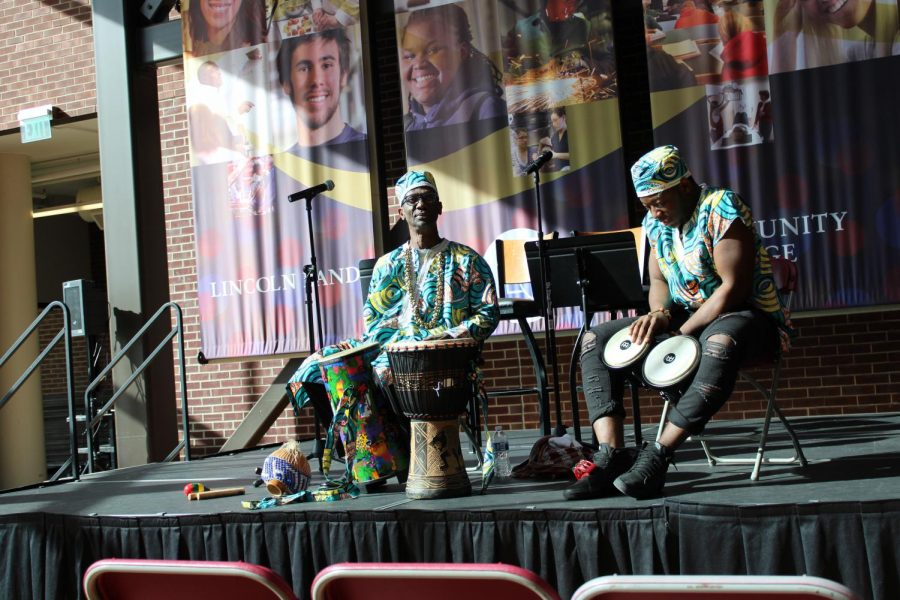 Roosevelt+Pratt+and+the+African+Drum+Dance+Ensemble+performed+in+the+A.+Lincoln+Commons+Feb.+3+from+noon+to+1%3A30+p.m.+